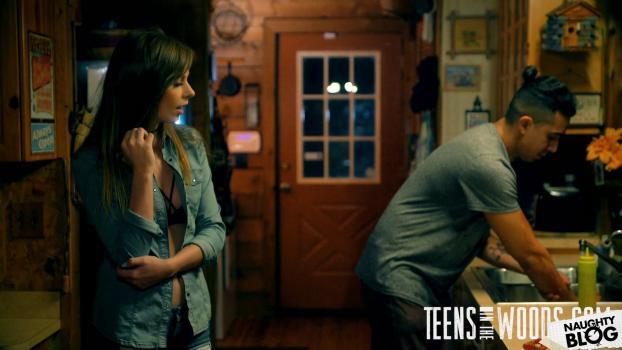 Teens In The Woods - Alex Blake   SITERIP Video 720p Multimirror Siterip RIP