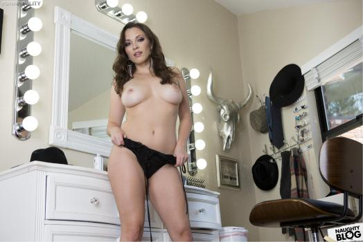Porn Fidelity - Lily Love   SITERIP Video 720p Multimirror Siterip RIP