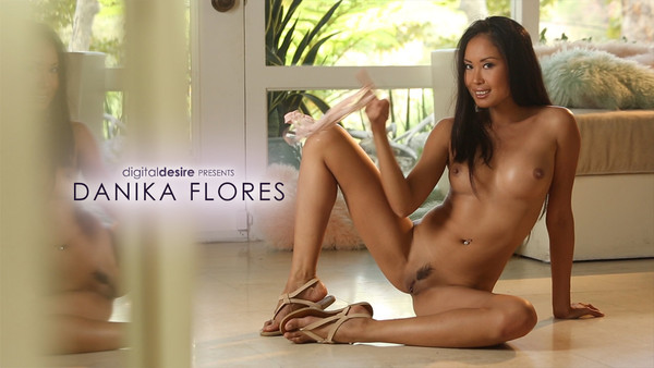 DigitalDesire Danika Flores  IMAGESET FULL Resolution Siterip