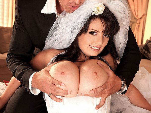 SCORELAND A Hot Ride For A Busty Bride – Arianna Sinn  SITERIP VIDEO h.264 wmv AAC Audio 1900×1000