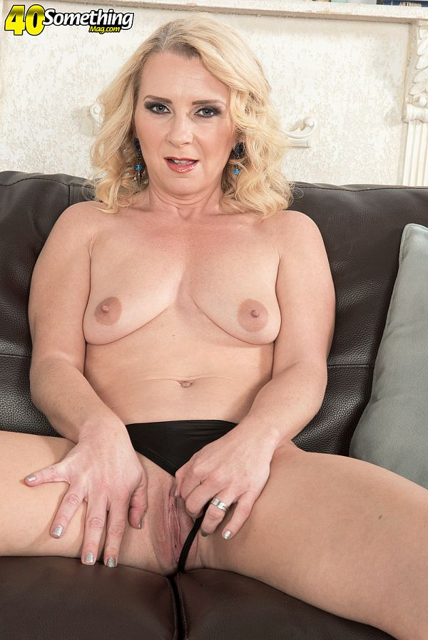 40somethingmag Nancy Jay Mother of five's first time on-camera  Video X264 XXX.RIP by Score