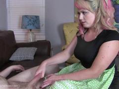 TacAmateurs DaisyHaze – CFNM – Creepy Nude Cock Jerking & Handjob During Interview O HD Video 17-Nov-2016 [IMAGESET/Videoclip Amateur ]