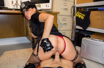 WankzVR NYPD Blew featuring Natasha Nice  Siterip VR XXX 4k 4000×1600