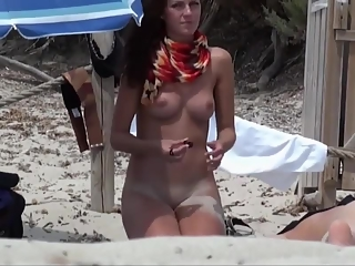 YourVoyeurVideos  Cute nudist girl with nice tits and body PaysiteRip VoyeurXXX