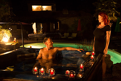 EXPLICTE-ART Julie Valmont,Solstix The long version video of busty Julie Valmont and Francesco in jacuzzi  SITERIP AMATEUR VIDEO (FRENCH)