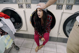 Pervs On Patrol Annika Eve – Latina Gets Facial In Laundromat  [MOFOS NETWORK SITERIP 720p mp4]