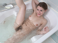 WeareHairy Kira Tomson Kira Tomson masturbates in her bathroom by the tub [FULL PICSET Highres WEBRIP]