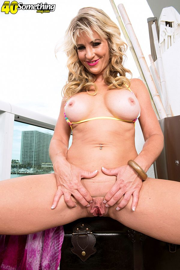 40somethingmag Brandi Fox The Wildest Mom In The Neighborhood  Video X264 XXX.SiteRIP by Score Siterip
