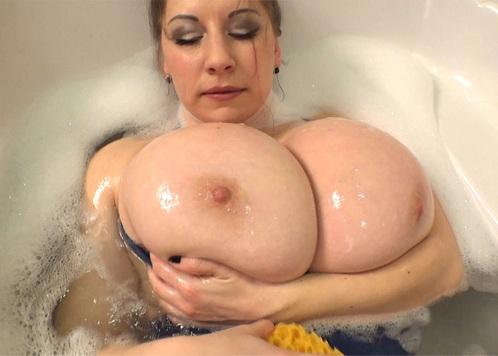 Pinupfiles Samanta Lily – Sexy Talk – Soapy Shower 3  Siterip Video