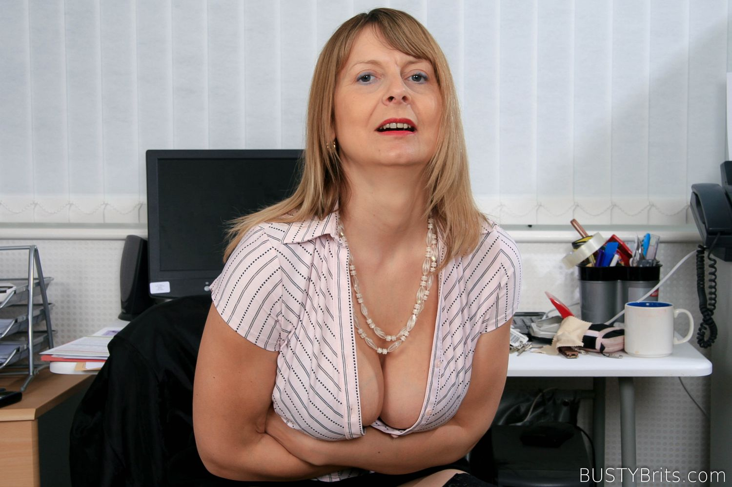 BUSTYBRITS Fiona Aspen Clerical 155 photos May 31, 2017  Siterip Imageset