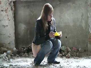 YourVoyeurVideos  Woman pees Siterip CLIP 540p  WEB-DL