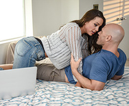 Real Wife Stories Living On The Edge – Abigail Mac – 1 September 01, 2017 Brazzers Siterip 2017