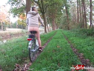 MydirtyHobby ein bisschen mit Fahrrad Draussen gewesen (hautfarbene Nylons) InaMia  Video  GERMAN  H264 AAC  720p