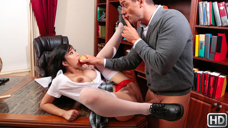 Teens Love Huge Cocks Tits And Ass – Jade Kush  [SITERIP Realitykings.com 1080p MP4 MULTIMIRROR]