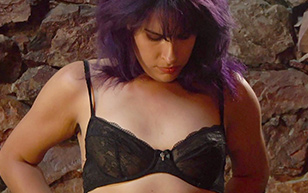 MrSkin Desiree Akhavan s Delightful A Cups in Creep 2  Siterip Videoclip