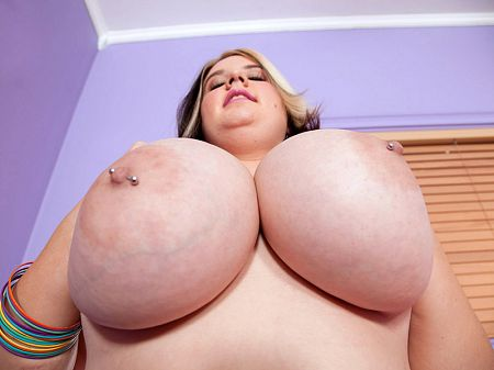 XLGirls School of Big, Sexy Knockers – Marilyn White (15:50 Min.)  Video X264 XXX. Siterip Score Network