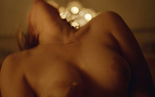 MrSkin Elisabeth Moss Dons Pasties in the Square  Siterip Videoclip Siterip RIP