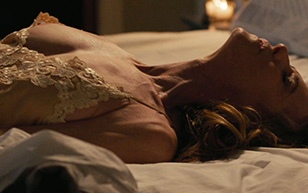 MrSkin Holly Hunter Slips Nip in Here and Now  Siterip Videoclip