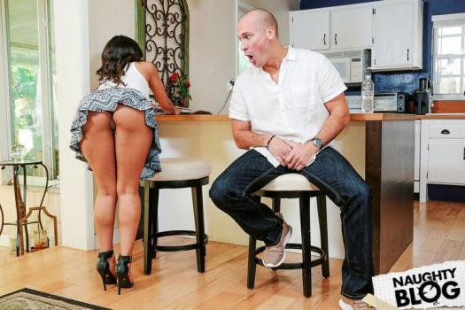 Reality Kings – Sophia Leone   SITERIP Video 720p Multimirror