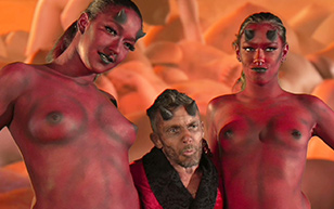 MrSkin the Chronic Nudity in Evil Bong 777  Siterip Videoclip