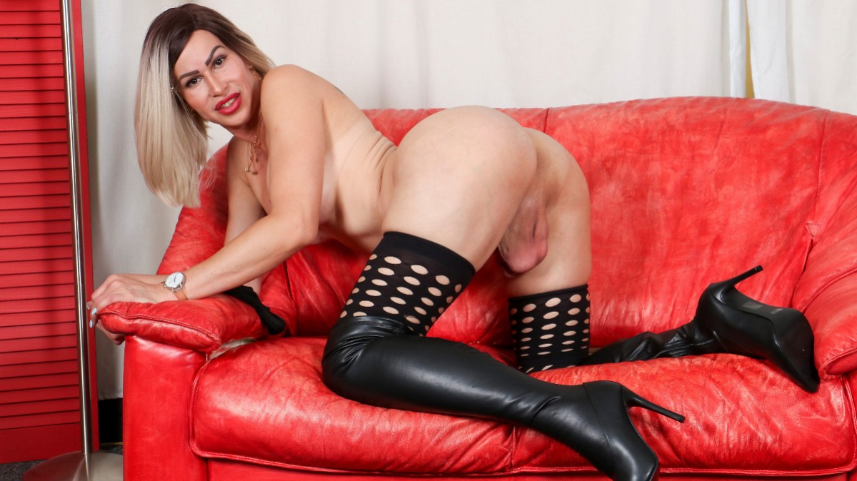 Groobygirls Introducing Sexy Dina!  Tranny XXX Siterip