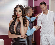Dirty Masseur Polishing His Trophy - Ariella Ferrera - 1 May 18, 2018 Brazzers Siterip 2018 Siterip RIP