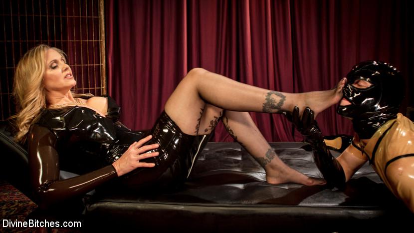 Kink.com divinebitches Latex Goddess Julia Ann Dominates Dripping Cock Whore  WEBL-DL 1080p mp4