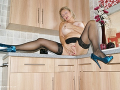 TacAmateurs Sugarbabe – Getting Fucked In The Kitchen HD Video  [IMAGESET/Videoclip Amateur ]