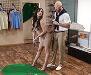 Pornstars Like it Big Pounded At The Pro Shop – Jennifer White – 1 May 26, 2018 Brazzers Siterip 2018