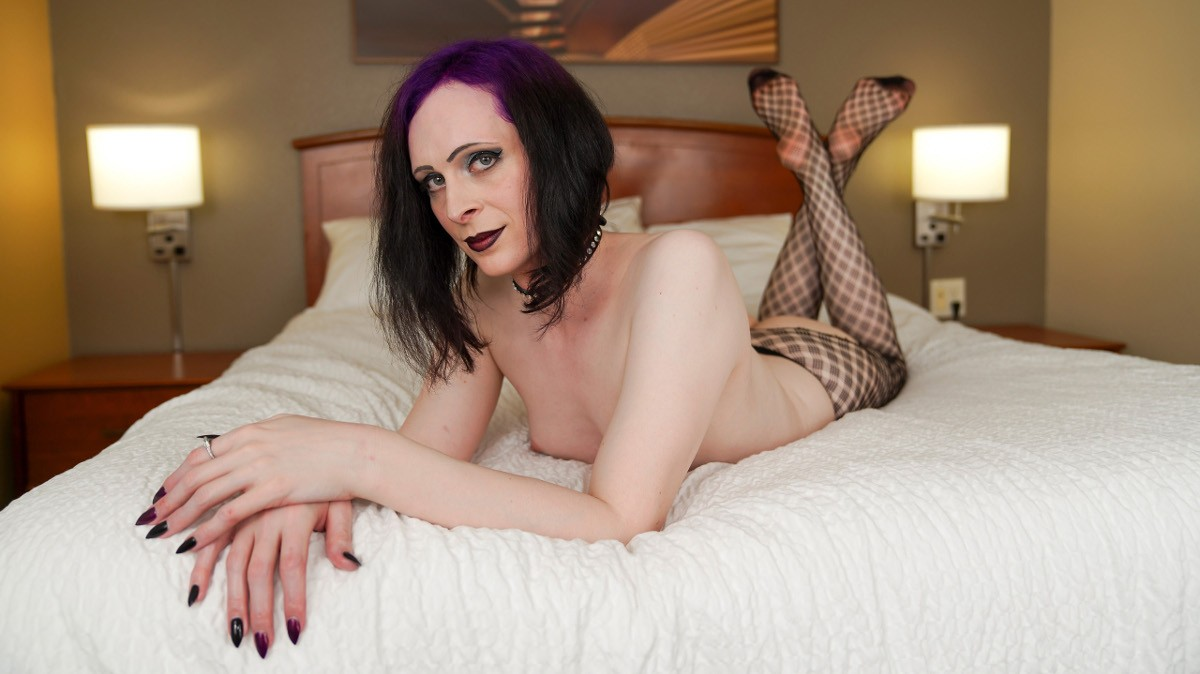 Groobygirls Try Out Tuesday: Lynn Landra Cums!  Tranny XXX Siterip