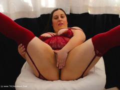 TacAmateurs KimberlyScott – Burgundy Suspender Teddy Pt1 Photo Album  [IMAGESET/Videoclip Amateur ]