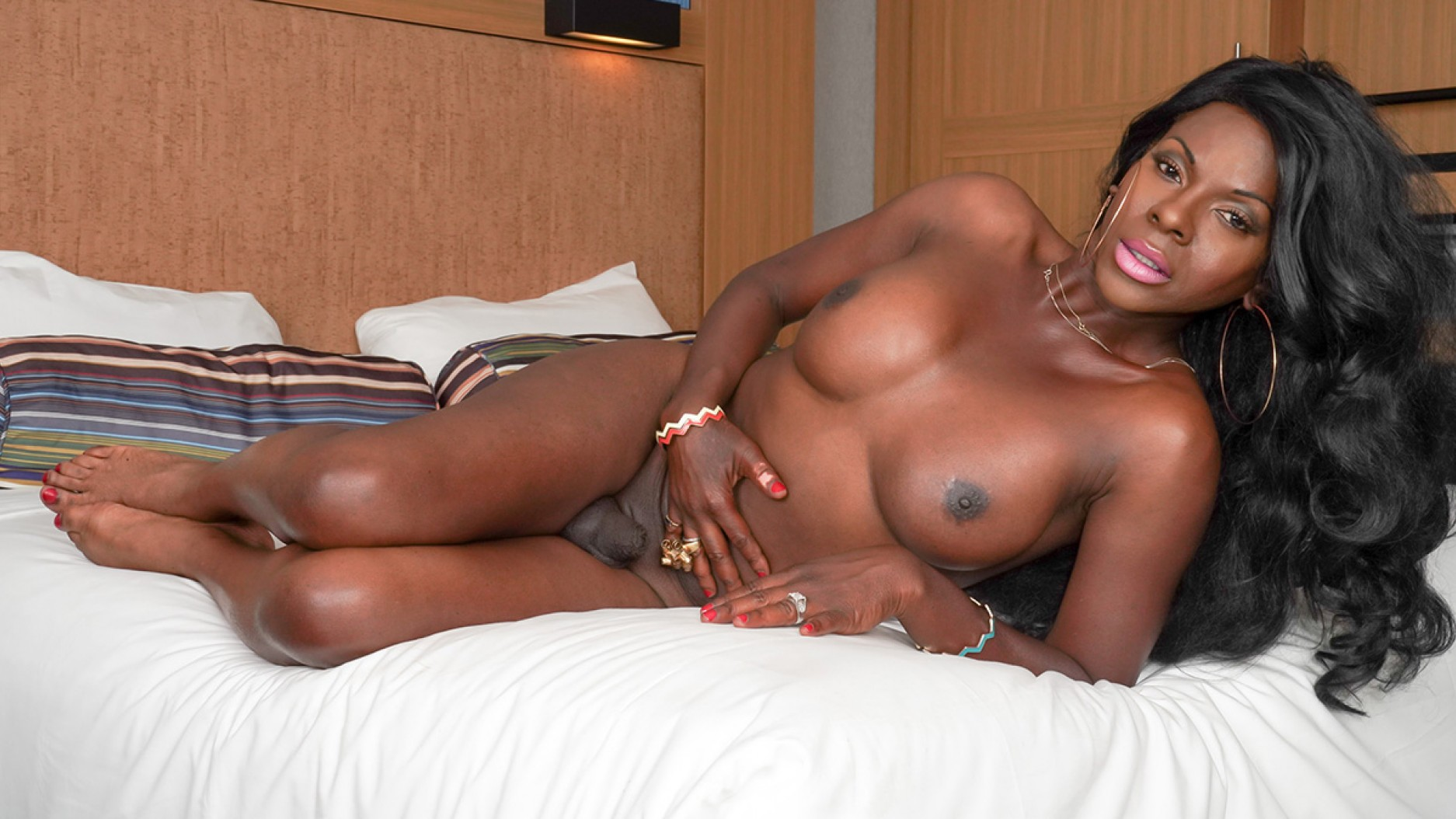 TGirl40 Ravishing Cinnamon's Bedroom Play!  Shemale XXX WEB-DL Groobynetwork