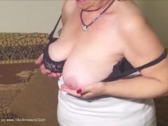 TacAmateurs Caro – Big Jiggling Granny Tits Pt2 HD Video  [IMAGESET/Videoclip Amateur ]
