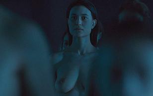 MrSkin Julia Jones  Brief Breast Shot in Westworld  WEB-DL Videoclip