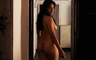 MrSkin Neha Mahajan Shows Off Her Breasts & Buns in The Painted House  WEB-DL Videoclip