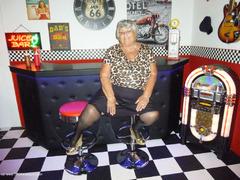 TacAmateurs GrandmaLibby – Grandma Libby at the studio Photo Album  [IMAGESET/Videoclip Amateur ]