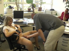TacAmateurs SweetSusi – Extremely Cool In The Office Photo Album  [IMAGESET/Videoclip Amateur ]