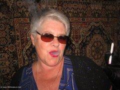 TacAmateurs GirdleGoddess – Sunglasses, Gloves & Smoking Photo Album  [IMAGESET/Videoclip Amateur ]