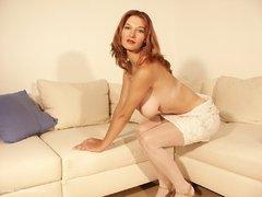TacAmateurs Vanessa – On The Couch In Lingerie Photo Album  [IMAGESET/Videoclip Amateur ]
