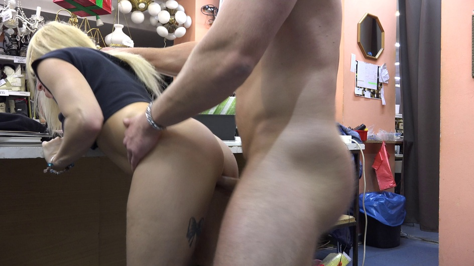 Czechpawnshop The busty blonde needs to pay the rent  Siterip Multimirror CzechAV 720p h.264