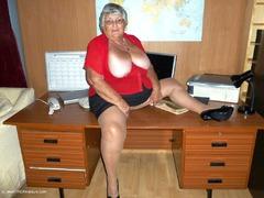 TacAmateurs GrandmaLibby – Office Photo Album  [IMAGESET/Videoclip Amateur ]