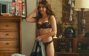MrSkin Emma Roberts Sexy New Scene in Little Italy  WEB-DL Videoclip