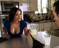 Milfs Like it Big The Model Stepmom – Kaylani Lei  – 1 September 07, 2018 Brazzers Siterip 2018