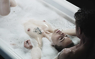 MrSkin Think Dirty While Melissa George Gets Clean in the First  Siterip Videoclip