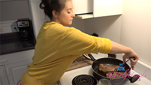 Atk Girlfriends 09/07/18 – Gia Paige Hawaii #2 – Part 4 Gia makes you dinner, and you have a night in. 1320×680 wmv mp3 Audio  SITERIP ATKINGDOM
