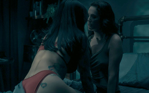MrSkin Hot Scenes in the Much Hyped Netflix Series The Haunting of Hill House  WEB-DL Videoclip