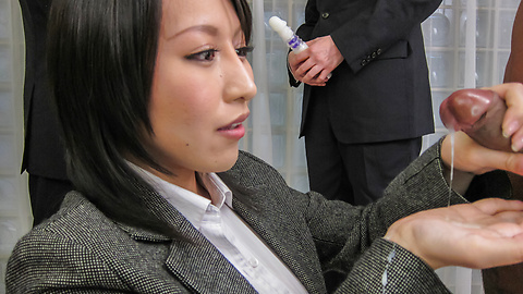 JavHD Yuuna Hoshisaki jerks him off for asian cumshots in public  SiteRip Javhd ASIAN XXX Video 720p 1400x768px AAC.MP4