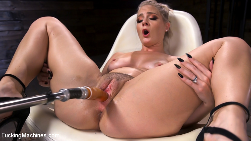 Kink.com fuckingmachines Blonde Squirting Slut Gets Fucked Out of Her Mind!  WEBL-DL 1080p mp4