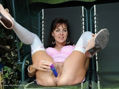 TacAmateurs Georgie - Dildo On The Garden Swing Photo Album  [IMAGESET/Videoclip Amateur ] Siterip RIP