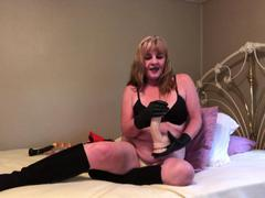 TacAmateurs CougarBabeJolee – Masturbation Instructions Using My Hot Leather Gloves HD Video  [IMAGESET/Videoclip Amateur ]